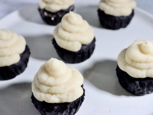 Potato cream topped chocolate muffins