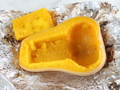 くり抜いたバターナッツかぼちゃ