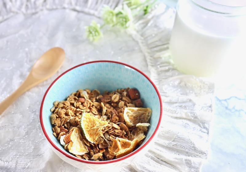 自家製 ココナッツミルクの作り方 グラノーラと