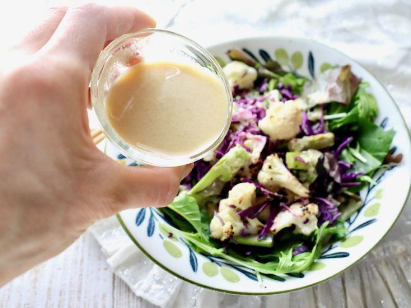 美肌対策に カリフラワーと紫キャベツのサラダ タヒニドレッシング