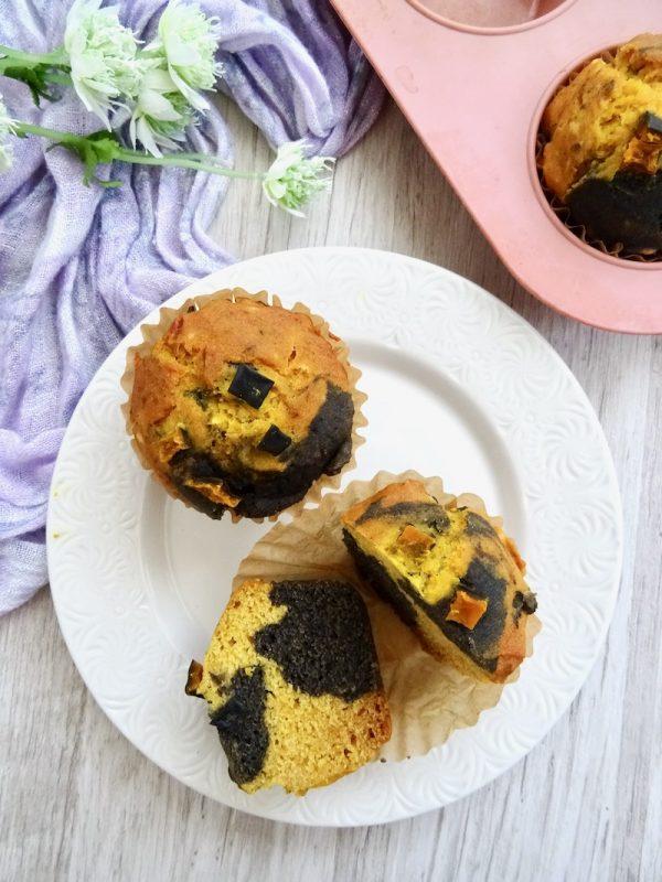 pumpkin & black sesame swirl muffins